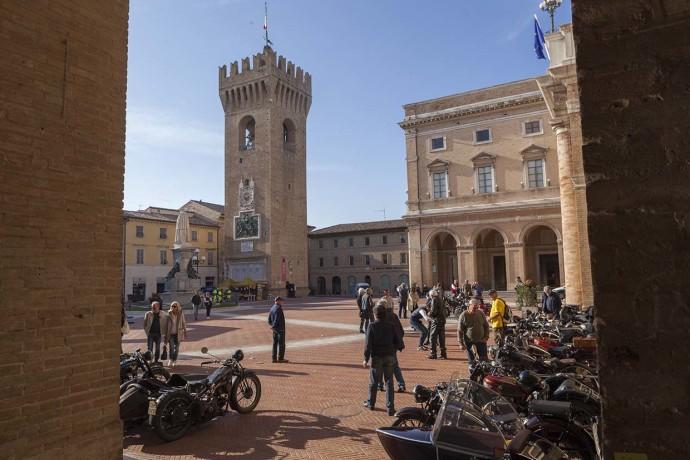 recanati_piazza_leopardi-copia